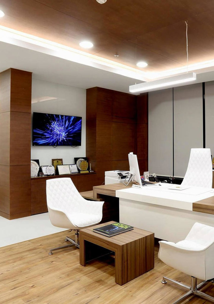 Bureau espace pro avec mobilier en bois composite